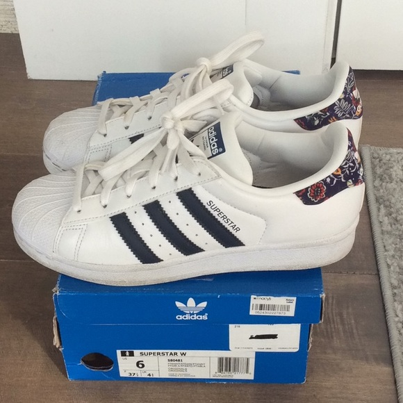 adidas Shoes - Adidas, superstar floral, 6